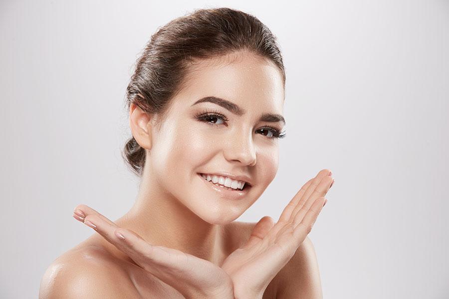 SKIN Dermaplane Facial